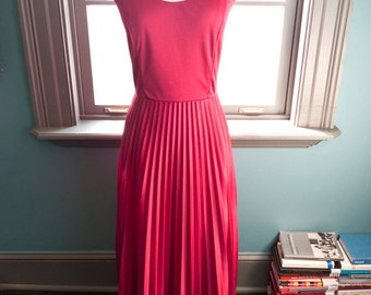 Garden of Eden... Vintage GRECIAN GODDESS pleated MAXI dress in deep berry red