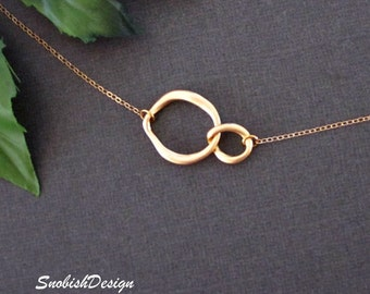 Interlocking Circle Necklace, Infinity Necklace, Dainty Gold Necklace, Sister Necklace, Mothers Necklace, Best Friend gifts, Friendship