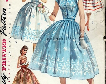 Vintage 1956 Full Gathered Skirt Two Blouses Button Front or Wide V...Simplicity 1583 Bust 30
