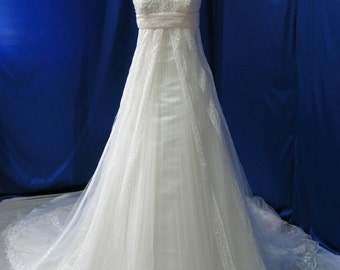 Gorgeous Plus Size Wedding Dress with Delicate Lace and Beading Empire Waist