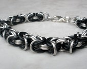 Antiguo - Unisex Byzantine Chainmail Bracelet - Black and Silver Bracelet - Chainmaille Jewelry - Chainmaille Bracelet - Mens Chain Bracelet