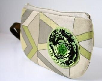 Fabric Wristlet Purse, IPhone Wristlet, Smart Phone Wristlet, Zippered Wristlet