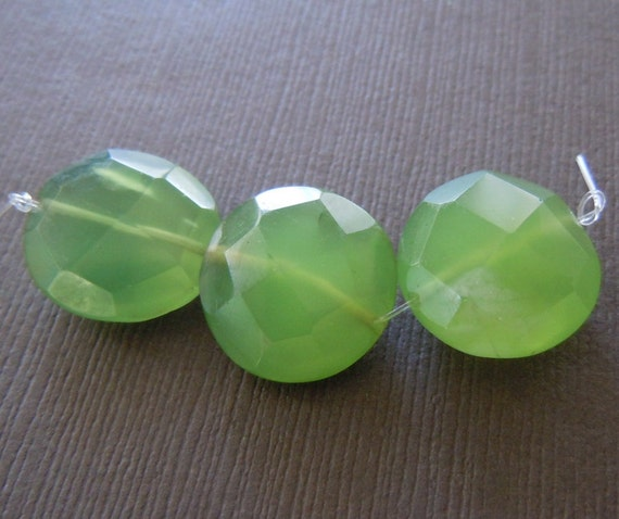 Large Faceted Puffy Coin Button Jade Green Chalcedony Beads Cabochon