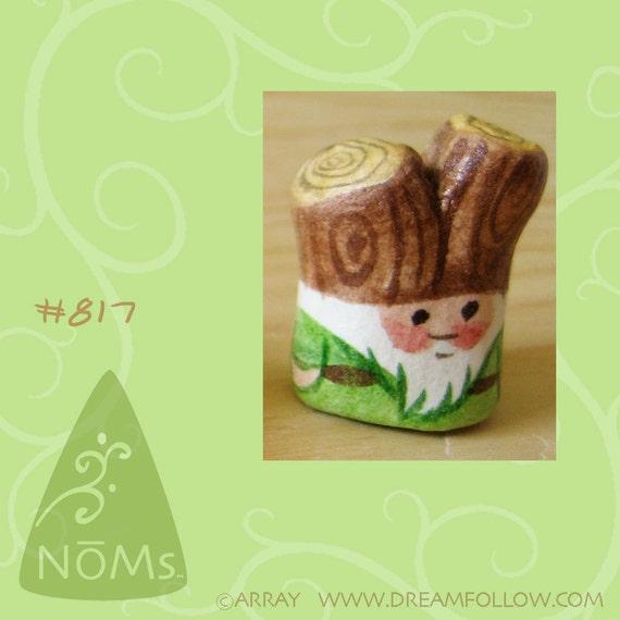 NOM 817 mini gnome figure