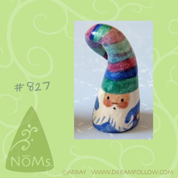 NOM 827 mini gnome figure