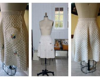 Vintage 1940's  White Straw Raffia Crocheted Skirt