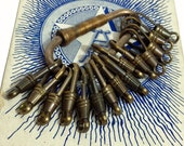 15pcs VINTAGE AGED CLASPS 1950s Awesome Patina