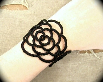 Tatted Cuff Bracelet - Lotus
