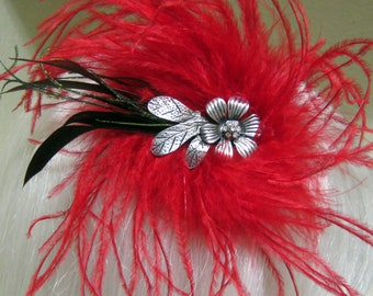 Panting the Roses Red feather Fascinator