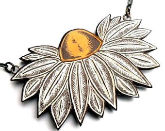 White and Yellow Daisy Flower Pendant Necklace Jewelry