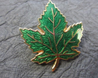 GUILLOCHE  Green Enamel Goldtone Maple Leaf Vintage Brooch Pin . B104