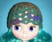 MISS PRISS lacey scalloped hat for blythe. wool blend