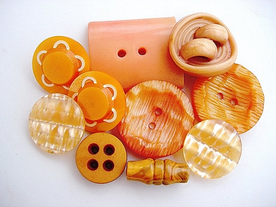 Neat Lot of Various Vintage Buttons in Shades of Orange