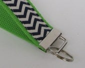 KEY FOB/ WRISTLET - Keychain - Navy Blue/ Cream Chevron Fabric