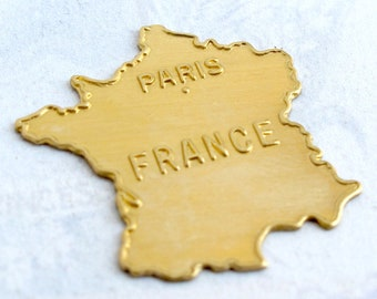 Brass Embossed France Pendants (4X) (M722)