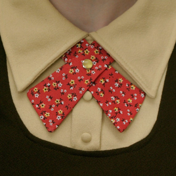 Lady Tie - Red & Yellow Tiny Flowers