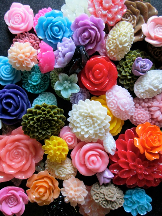 25pc. flower cabochon mix grab bag of cute Kawaii roses, mums etc... (DESTASH SALE)