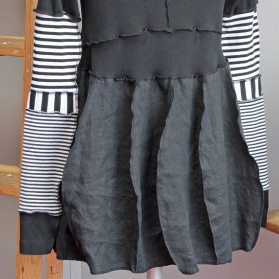 3 DAY SALE - black, white striped tunic - cotton and linen: ubersleevia one