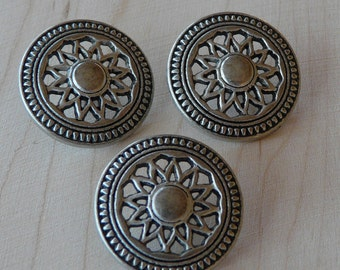 Antique Silver Spoke Wheel Button -  Steampunk Western Cowboy Concha  D25