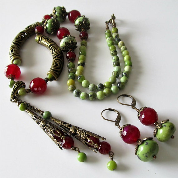 Lime green jasper and raspberry agate beaded necklace and earrings, antique brass, matching earrings, beaded jewelry