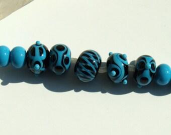 Black and blue destash