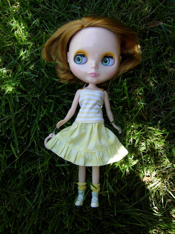 Ruffled Skirt for Blythe - Yellow with Butterflies