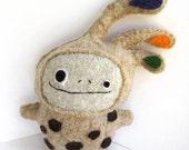 Mocha Brown Strange Foo - Recycled Wool Plush Toy