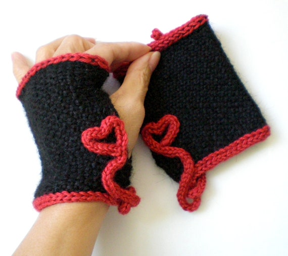 Knit Women Fingerless Gloves aka Texting Gloves - Red Hearts