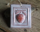 Winter White Pinecone Tile (terracotta) ornament