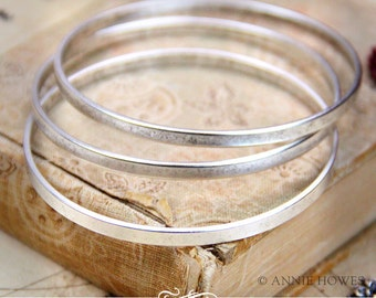 Antique Silver Plated Stacking Bangle Bracelet. Adorn with A Charm for An Easy Gift. BBFL-SB