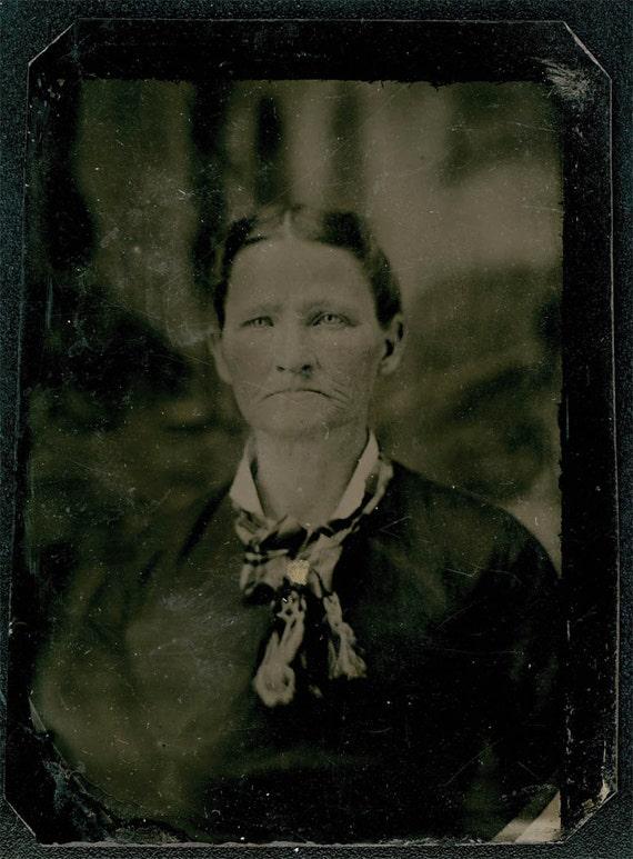 Vintage photo Older WOman Bluest Eyes Gold Throat pin tintype photo