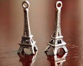 Eiffel Tower Antiqued Silver Pewter 24mm Charm: 2 pc