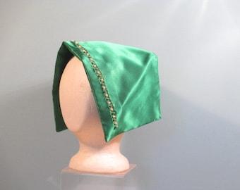 Queen Anne or Dutch cap for ladies