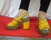 Vintage Leather Yellow  and Green Platform Clogs Shoes Size 6.5 Brazil