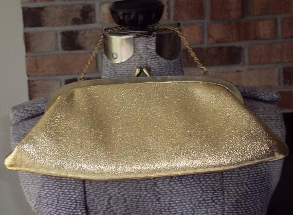 Vintage Classic Kiss Closure Gold Faux Leather Clutch Purse Evening Bag
