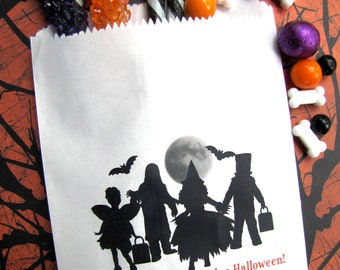 Halloween Candy Bags, Halloween Children, Monsters, Personalized candy bags, Favor bags, Candy Buffet,Sweets, Treat bags