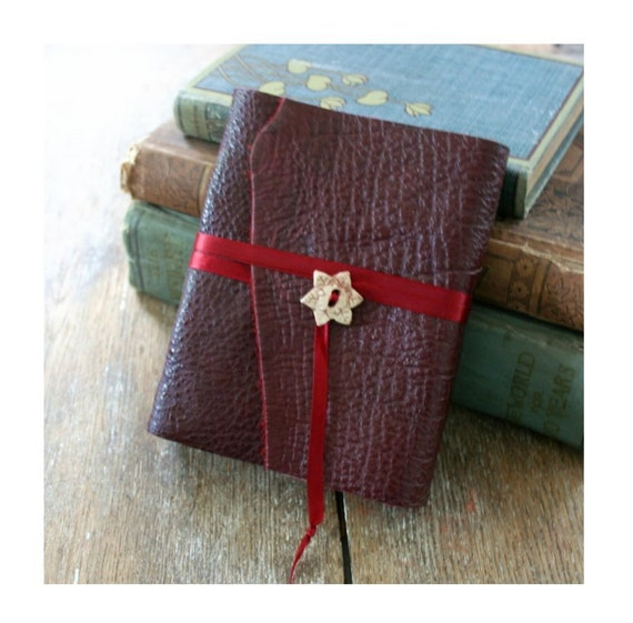 """Leather Journal . Emily Dickinson: """"Hope is the thing with feathers that perches in the soul...""""  handbound handmade . burgundy (320 pgs)"""