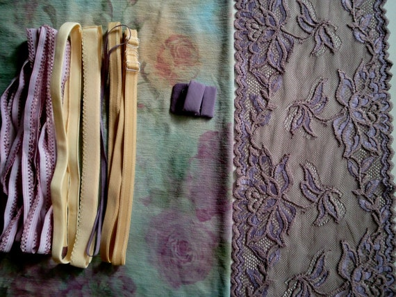 Fabric and notions Aquarel Flowers and Mauve for 1 BRA & BRIEF by Merckwaerdigh