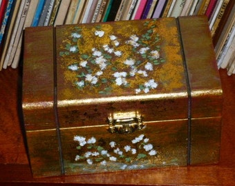 Wood Box Handicraft with Decoupage