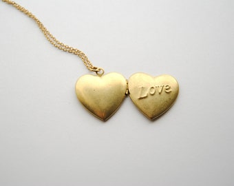 SALE - Vintage Heart Locket Necklace. Simple Sweet and Romantic. Gifts for Girlfriends or Best Friends Necklace. FREE Shipping in US