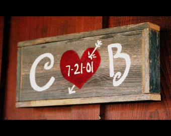 Wedding Sign Recycled Wood Wall hanging Customized Present His Her Initials Wedding Date Rustic  Personalized Wood 5th Year Anniversary Gift