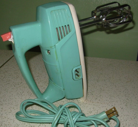 Vintage turquoise blue general electric mixer for Antique general electric mixer