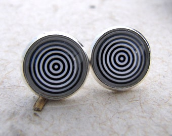 Optical Illusion Post Earrings - Black and White Series Studs - Bulls eye Hypnotize