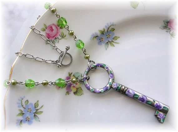 Antique Circle Skeleton Key Necklace Hand Painted Purple Rose Flowers Glass Beads Toggle