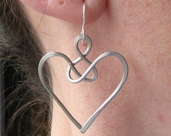 Angel earrings, celtic jewelry, wire knot, aluminum wire heart