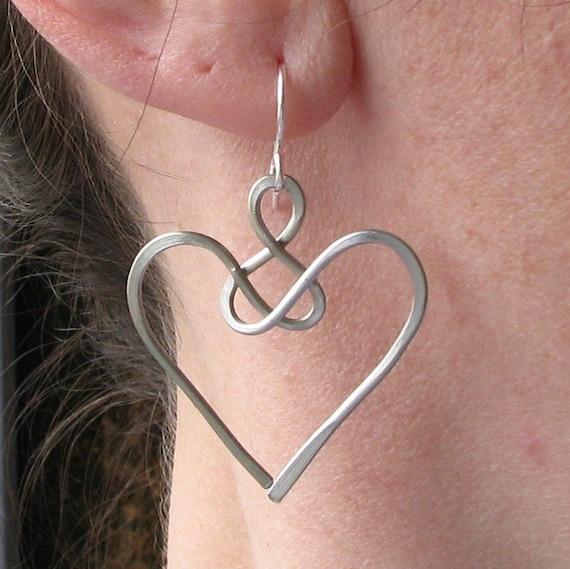 Favoloso Orecchini Angel gioielli celtici nodo di filo cuore di filo DZ78
