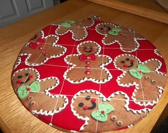 Hot Pads Quilted Gingerbread Men Christmas Round Pot  Holder Cotton Fabric Double Insulated Trivet 9 Inches on Red Background