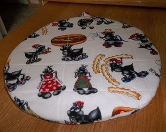 Party Ants Round Quilted Hot Pad or Pot Holder Cotton Fabric 9 Inches Trivet Insulated
