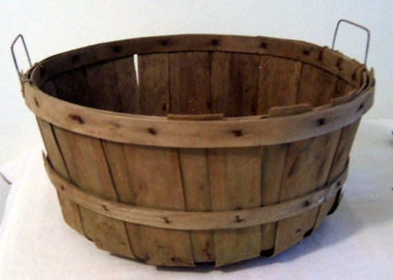 antique Vintage Half Bushel Harvest Apple Basket Round Bottom