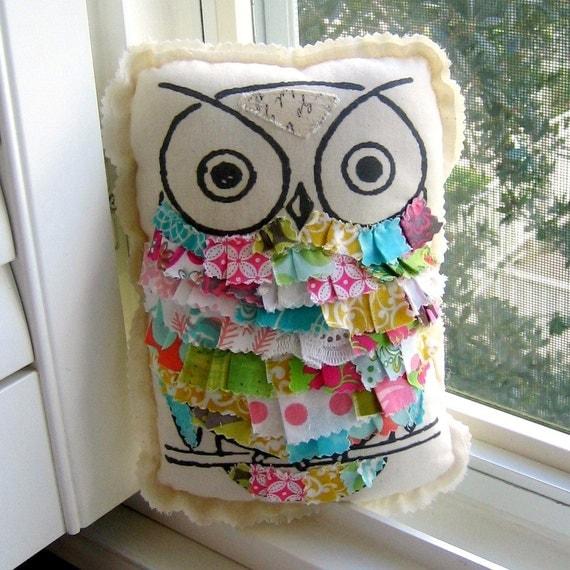 Owl pillow, stuffed owl, fabric scrap owl pillow, appliqued owl pillow, ruffle pillow, printed owl pillow, - No. 111